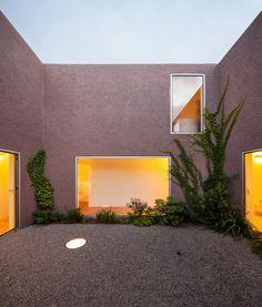 extrastudio . Three courtyard house .  Pinheiros de Azeitao (11)