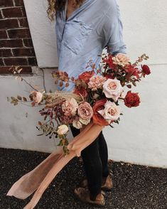3 Wedding Decor Trends And 26 Examples For 2019 - Hochzeitskleid Ideen Fall Bouquets, Wedding Bouquets, Flower Bouquets, Floral Wedding, Fall Wedding, Autumn Wedding Bouquet, Trendy Wedding, Wedding Table, Wedding Colors