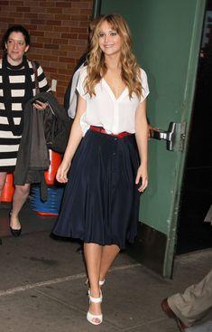Jennifer Lawrence #streetstyle. Casual yet fabulous! #AdeaEveryday