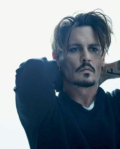 Shared by ♡ N ι c σ ℓ є ♡. Find images and videos about celebrity and johnny depp on We Heart It - the app to get lost i Young Johnny Depp, Here's Johnny, Johnny Depp Beard, Johnny Depp Movies, Johnny Depp Wallpaper, Junger Johnny Depp, Johnny Depp Pictures, Johnny Depp Images, Beat Generation