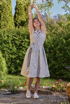 Summer Dresses, Landscape, Vintage, Fashion, Moda, Scenery, Summer Sundresses, Fashion Styles, Vintage Comics