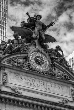 Grand Central Station  - 10 Things to do in New York City this summer http://www.augustuscollection.com/10-things-new-york-city-summer/