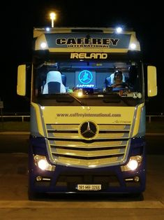 Show Trucks, Big Trucks, Mercedes Benz Commercial, Mercedes Benz Trucks, Daimler Ag, Jeep Grand Cherokee, Buses, Trailers, Night