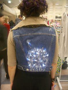 Alicia Sarah's cool LED Jean Jacket at the 2006 Urban Craft Uprising. http://bit.ly/wDkNfh