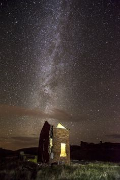 https://flic.kr/p/gnhDZ2 | One to a billion in 30 Seconds | Little Outhouse in what once was Leenan Fort, Urris, Co. Donegal