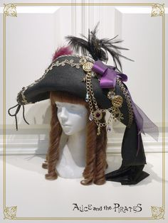 Majestic Pirate Hat by Alice and the Pirates Pirate Cosplay, Female Pirate Costume, Pirate Halloween Costumes, Couple Halloween, Pirate Dress, Pirate Wench, Pirate Woman, Cosplay Costumes, Toga Costume
