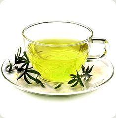 Chá para o tratamento da celulite e gorduras localizadas: Cavalinha (desintoxicante) e Hamamélis (contra a retenção de líquidos). Misture as ervas e ferva-as, depois deixe a infusão abafada por 15 minutos. Coe e beba, sem açúcar ou adoçante. Tome 3 a 4 copos por 10 dias.  Fotografia: Reprodução.