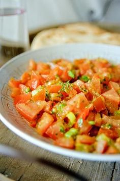 """Het lekkerste recept voor """"Marokkaanse tomatensalade"""" vind je bij njam! Ontdek nu meer dan duizenden smakelijke njam!-recepten voor alledaags kookplezier!"""