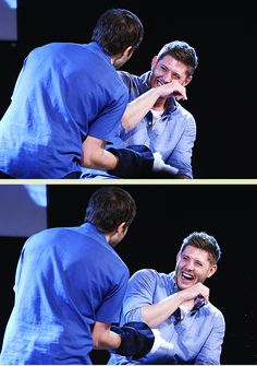 Jensen and Misha JIBcon2014>>> omg this is the best thing I have ever seen. I need the vid for this. Best. Laugh. Ever.