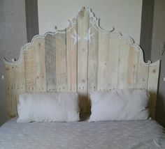 Artistic #Headboard Design - 7 Inspirational Pallet Headboards | 101 Pallet Ideas