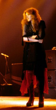 Stevie Nicks Fleetwood Mac 1979 Tusk live......I love her so much