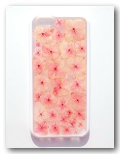 Handmade iPhone 6 case Resin with Real Flowers by Beautyjojo