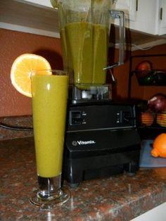 Katharyn Richt - Energizing Juice - FANtanista Zone | 6 sleeves of kale, 1 cucumber, 1 lemon, pinch of ginger, 4 stalks of celery, 6 green apples, add water