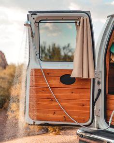 Van Conversion Interior, Camper Van Conversion Diy, Van Interior, Auto Camping, Van Camping, Bus Life, Camper Life, Rent Camper, Camper Caravan