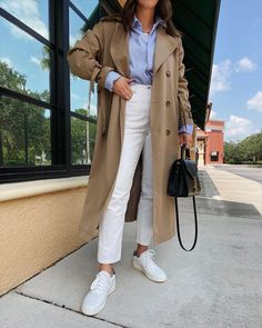 """JENNA   LILLY & GRANT på Instagram: """"Classic with a pop of blue. 💙 Trench coat - @12storeez Button up - @hm Denim & sneakers - @everlane Bag - @ysl via @fashionphile…"""" Denim Sneakers, Oversized Blazer, Classic Outfits, Wool Blend, Work Wear, Duster Coat, Summer Outfits, My Style, Casual"""