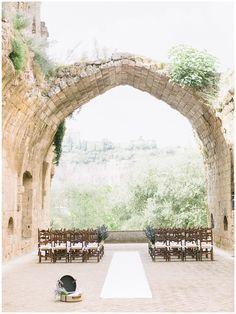UMBRIA - Spectacular setting for a destiantion wedding in Italy is the 12th Century Benedictine abbey of La Badia | photography by Facibeni Fotografia www.photographertuscany.com | planned by Fatamarina