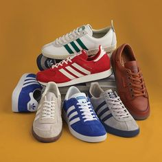 SPEZIAL SS17 is nearly here. Made for the Three Stripes connoisseurs the latest assortment consists of one-to-one remakes fresh interpretations of old classics and the release of an obscure oddity from adidas past. The latest SPEZIAL collection is inspired by the parallels between British casual culture and Jamaican reggae culture and you can head on over to SHOWstudio now to check out a documentary on this seasons assortment. #sneakerfreaker #snkrfrkr #adidas #adidasoriginals #SPZL #SPEZIAL…