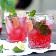 Fruit mint champagne <3 Apple juice-Sprarkling water-Apples slices-Orange slices-Mint leaves