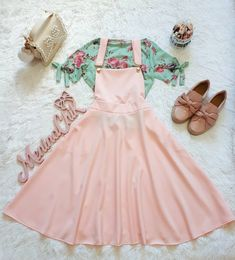 120 Graduation Outfit Ideas For Every Style Teen Fashion Outfits, Mode Outfits, Skirt Outfits, Fashion Dresses, Cute Casual Outfits, Pretty Outfits, Pretty Dresses, Beautiful Outfits, Kawaii Fashion