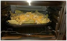 Mom Reviews 4 You used the #WolfgangPuckOven to make chicken nachos!
