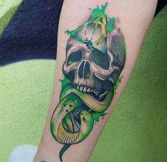 60 The Dark Mark Tattoo Designs For Men – Harry Potter Ink Ideas The Dark Mark Guys Tattoos Watercolor Skull And Snake Forearm Retro Tattoos, Skull Tattoos, Trendy Tattoos, Body Art Tattoos, New Tattoos, Tattoos For Guys, Sleeve Tattoos, Tatoos, Hp Tattoo
