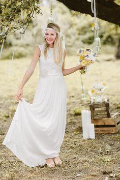 Eine Hochzeitsmärchen Inspiration in gelben Pastellfarben