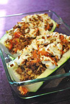Überbackene Zucchini mit Kritharaki-Nudeln & Hackfleisch