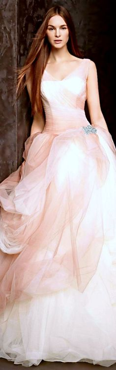 Vera Wang Ombre Tulle Gown with just a tint of mauve, how absolutely stunning! Bridal Gowns, Wedding Gowns, Tulle Wedding, Wedding Blush, Mermaid Wedding, Vera Wang Wedding, White By Vera Wang, Glamour, Wedding Dress Styles