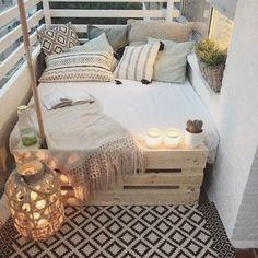 big bed small balcony deco - Home Deco - Balkon First Apartment, Apartment Living, Cozy Apartment, Apartment Ideas, Apartment Design, Living Rooms, Small Apartments, Small Spaces, Patio Ideas For Apartments