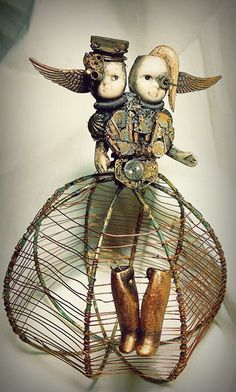 Little bestiary.  Sculptures made entirely of recycled materials