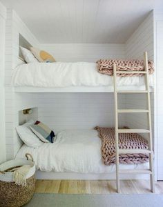 Beautiful Girls Bedroom Ideas for Small Rooms (Teenage Bedroom Ideas For Girls) Interior, Bedroom Design, My Scandinavian Home, Small Room Bedroom, Teenage Bedroom, Bed, Small Bedroom, Remodel Bedroom, Bunk Bed Designs
