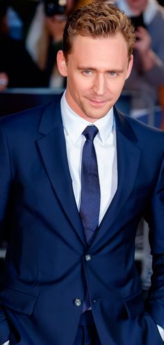 Tom Hiddleston attends a gala screening of 'High-Rise' during the BFI London Film Festival at Odeon Leicester Square on October 9, 2015 in London. .Full size image: http://ww1.sinaimg.cn/large/6e14d388jw1exx1uop2m3j21jk2bcttu.jpg Source: Torrilla, Weibo