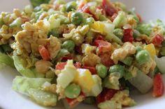 Chickpea salad: chickpeas, celery, peas, bell pepper. Dressing: mayo, cumin, paprika, (black) salt.