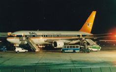 SOUTH AFRICAN AIRWAYS 767-200 ZS-SRA(cn511) Athens Hellinikon airport(now closed).First flight 03/08/1993 - Savvas Garozis