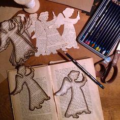Näin upeita joulukortteja suomalaiset tekevät itse – katso kuvat | Yle Uutiset | yle.fi Diy Christmas Cards, Christmas Deco, Christmas Wishes, Xmas Cards, Winter Christmas, Christmas Time, Christmas Crafts, Christmas Ornaments, Book Crafts