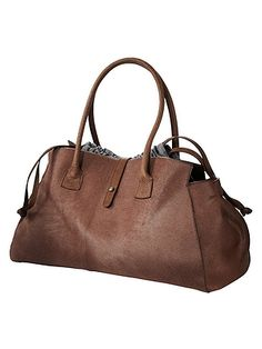 brunello cucinelli Leather Handbags, Leather Bag, Sac Week End, Cocoa, Minimalist Bag, Classic Leather, Handbag Accessories, Fashion Bags, Purses And Bags