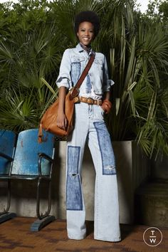 Resort 2020 Fashion Show - Vogue Denim Fashion, Fashion Outfits, Womens Fashion, Fashion Trends, Vogue Paris, Estilo Jeans, High Waisted Flares, Mode Jeans, All Jeans