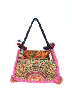 The pretty in pink pom pom tote bag made by HMONG Hill Tribes in Northern Thailand. #ethniclanna #handbag #totebags #hmonghilltribes