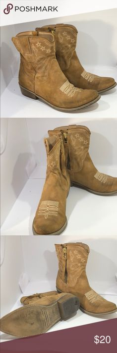 Boutique 9 Booties Boutique 9 western inspired Booties with cream top stitching. Well loved. Some cleaning needed...  But great find. Nice. 👌🏽👍🏾💕🎉 Boutique 9 Shoes Ankle Boots & Booties