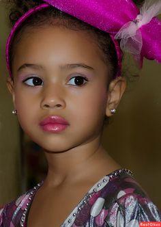 Взгляд, pretty child.  ❤️