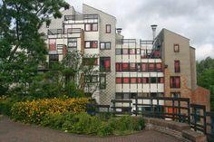 lucien kroll - Google 검색 Lucien Kroll, Delft, Graduation, Multi Story Building, Architecture, Google, Arquitetura, Moving On, Architecture Design