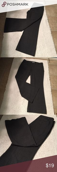 Gap 10A Perfect Trouser Gap gray size 10A stretch Perfect Trouser. Flat front with pockets. Back pockets. Inseam 30. 64% polyester 34% viscose 2% elastane GAP Pants Trousers