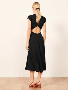 cd0af36579 Flattering Reformation Pieces + Extended Sizing - Street Style Philosophy