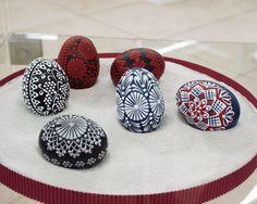 Egg Photo, Carved Eggs, Painted Ornaments, Egg Decorating, Art Techniques, Easter Eggs, Decoupage, Mandala, Wax