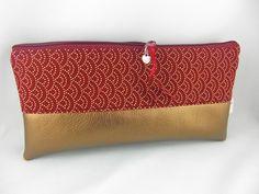 Federmäppchen - Mäppchen Seigaiha dunkelrot- gold - ein Designerstück von prettybyreni bei DaWanda