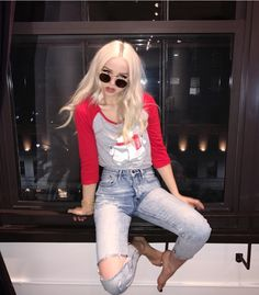 FC Dove Cameron ° widowmaker: heyyy, it's aries bellatrix. i'm seventeen and have an unhealthy obsession with overwatch. i've been here for a year, so i'm pretty well known. hit me up, yea??
