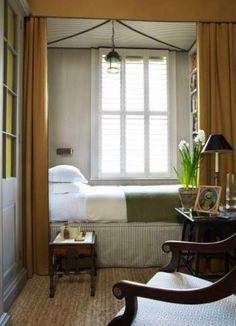 Rideaux lit chambre invite