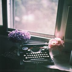 Old typewriter, mist, flowers, what feeds your imagination to finger-type something that is you to share. #writing #authors #entrepreneurs #thoughtful #inspiration #flowers