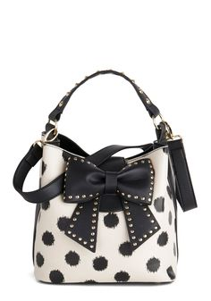 I love anything Betsey. Betsey Johnson Outfit of the Daring Bag in Cream, Cute Purses, Purses And Bags, Bag Jeans, Betsey Johnson Handbags, Vintage Bags, Retro Vintage, Stylish Backpacks, Tote Backpack, Cute Bags