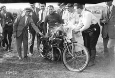 22-07-1923, Montargis, Grand Prix de France, (René) Gillard sur Peugeot, 1er des motos 500 cc | Photographie de presse : Agence Rol